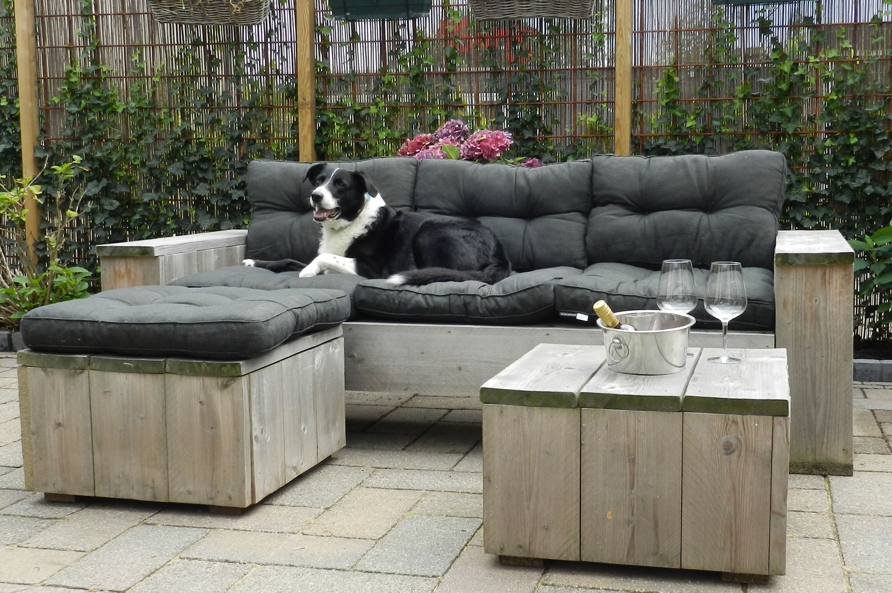 Tuinmeubilair sooph interieurarchitect hengelo - Tuin meubilair ...