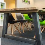 Bloom uitzendbureau ontwerp tafel